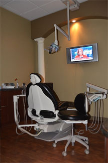 Ace Dental's Comfortable Treatment Room and Treatment Chair